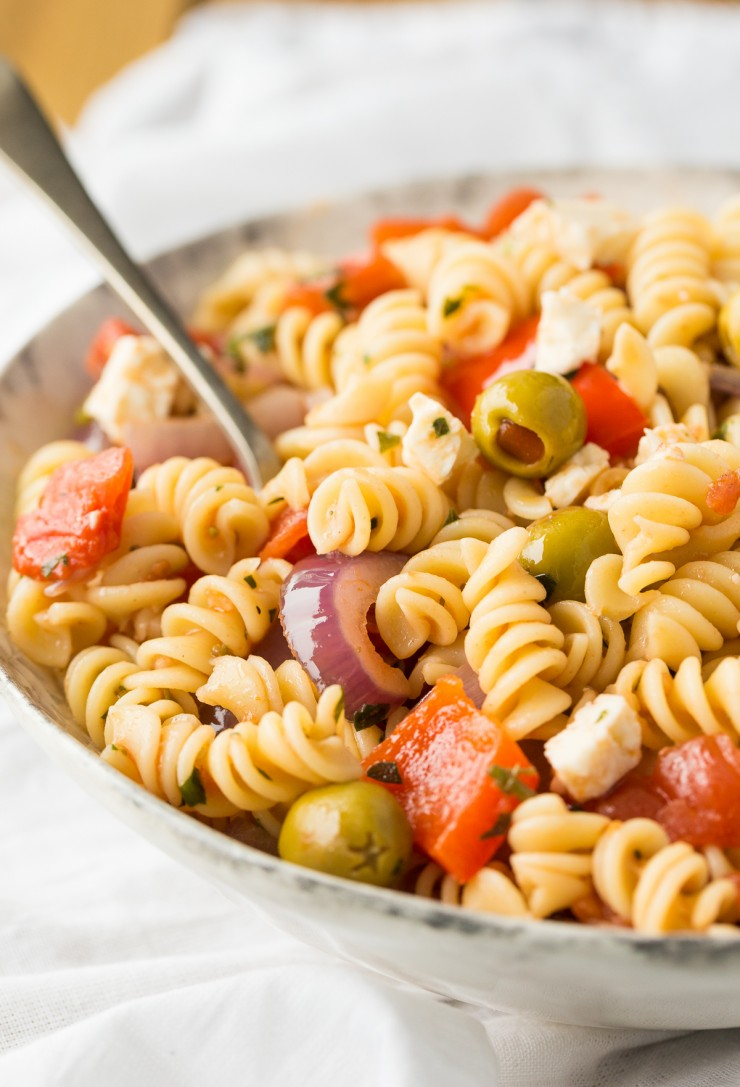 An easy recipe fir Calabrese pasta salad! It is wonderful pasta dish served either warm or cool and it works as both a side dish or as a vegetarian entrée.