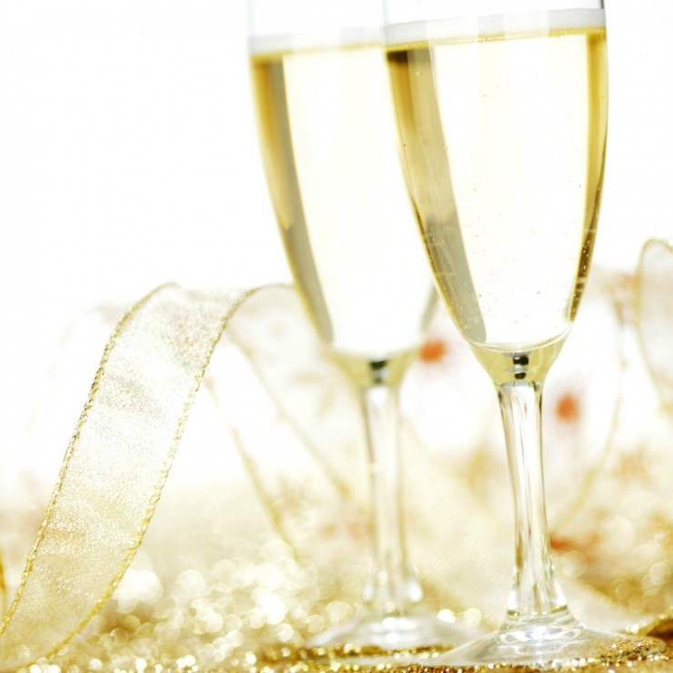 7 Ideas for a Fabulously Frugal New Years Eve