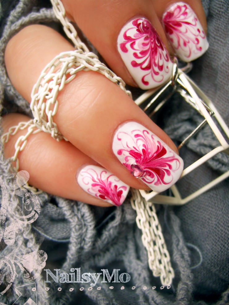 Swirly Nails