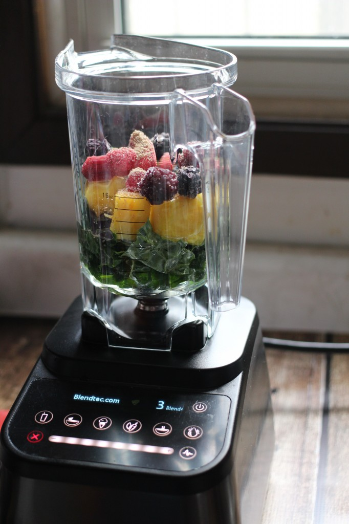 This Kale, Pineapple & Chia Seed Smoothie is a perfect summer beverage for breakfast or just a snack. SO GOOD! Love this smoothie recipe!