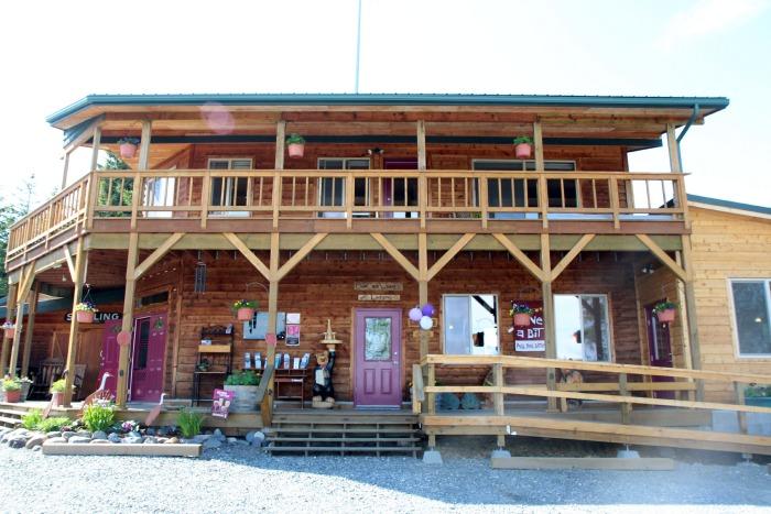 Bear Creek Winery and Lodge, Homer