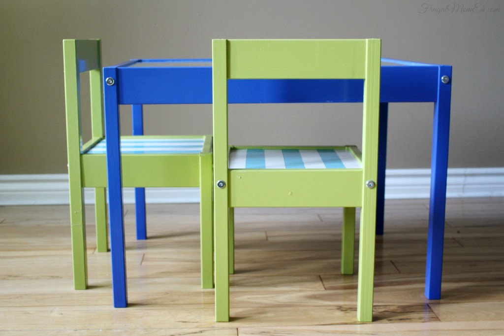 Wondrous Kids Table And Chairs Makeover Frugal Mom Eh Pdpeps Interior Chair Design Pdpepsorg