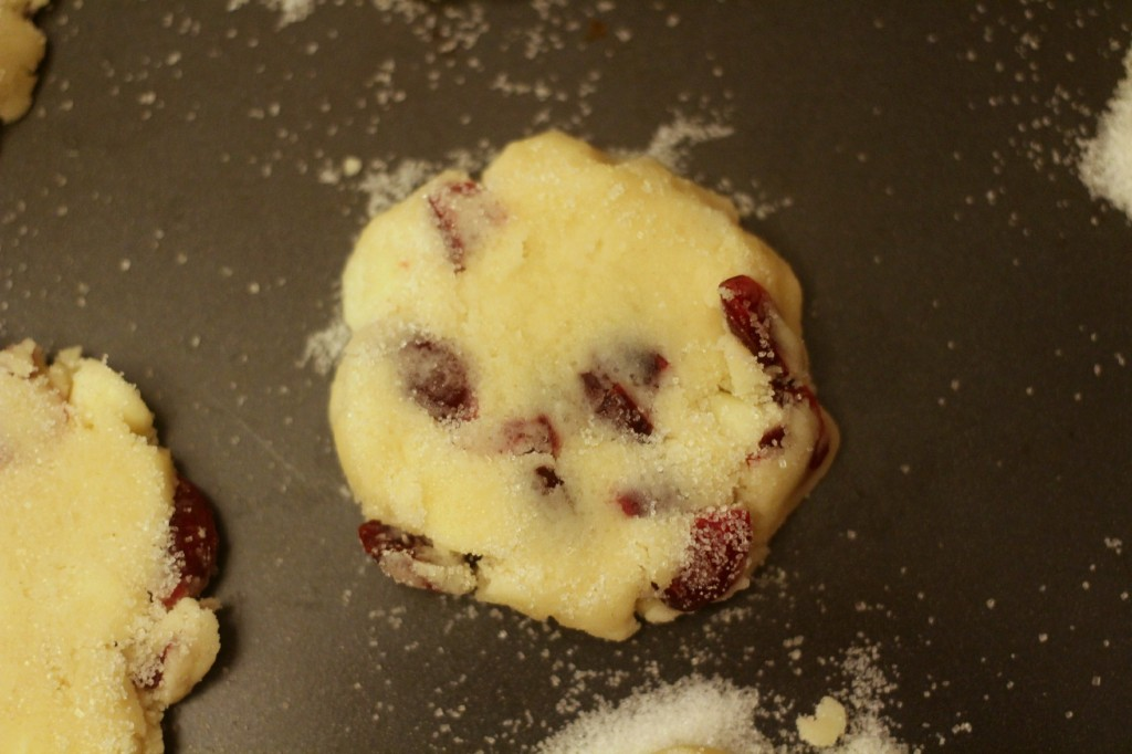 White Chocolate & Cranberry Shortbread #ChipitsHoliday