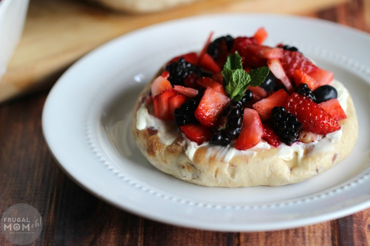 Breakfast Fruit Bruschetta featuring Ozery Bakery's Morning Rounds #Giveaway