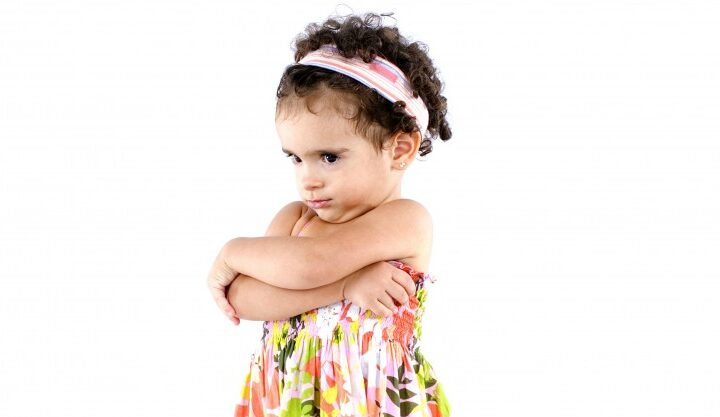 How to Handle a Strong-Willed Toddler with these great parenting tips!