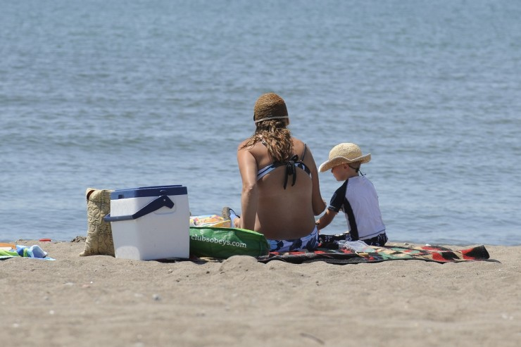 Ditch the Tent: 6 Simplified Beach Camping Trips in Ontario's Southwest: Eireau