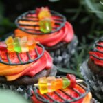 Celebrate Grilling Season with these Adorable Grill Cupcakes!