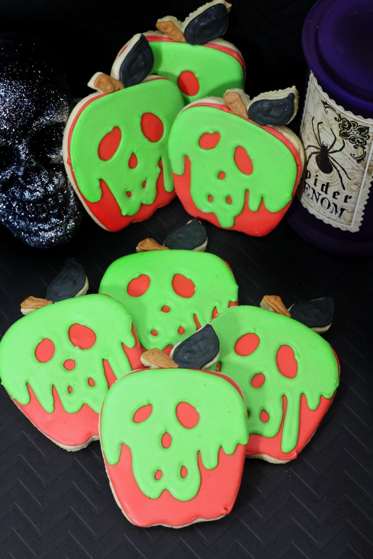 These Evil Queen Poison Apple Cookies are perfect for fans of Disney's Snow White and for Halloween too!