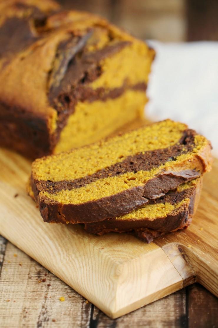 Chocolate Swirl Pumpkin Bread | 16 Homemade Thanksgiving Bread Recipes