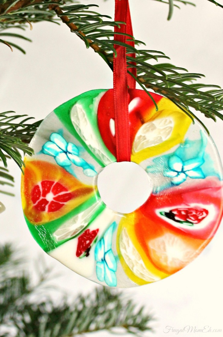 These Christmas Candy Ornaments are a surprisingly easy diy craft idea. Perfect for hanging on your Christmas tree or giving as gifts!
