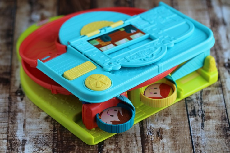 Play Anytime, Anywhere with Playskool Play-Stow-Go Toys #FMEGifts2015