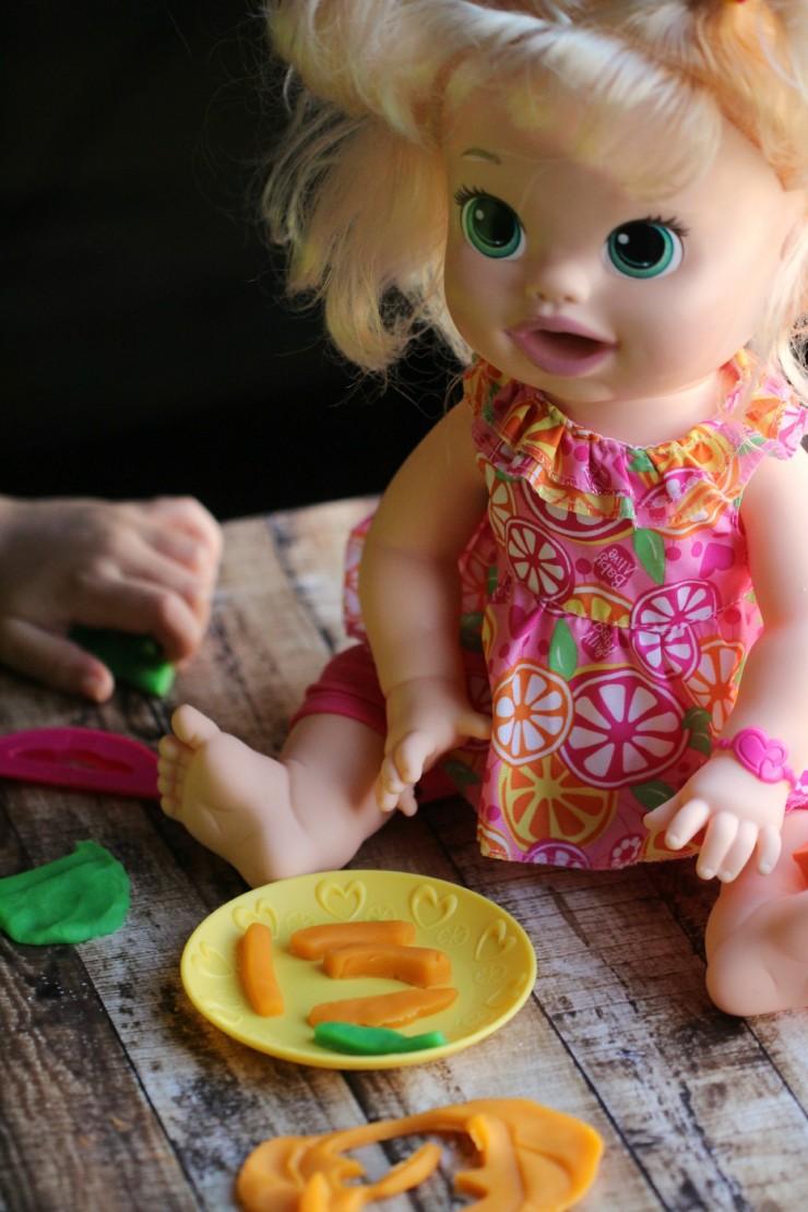 Baby Alive Super Snacks Snackin Sara Doll Fmegifts2015