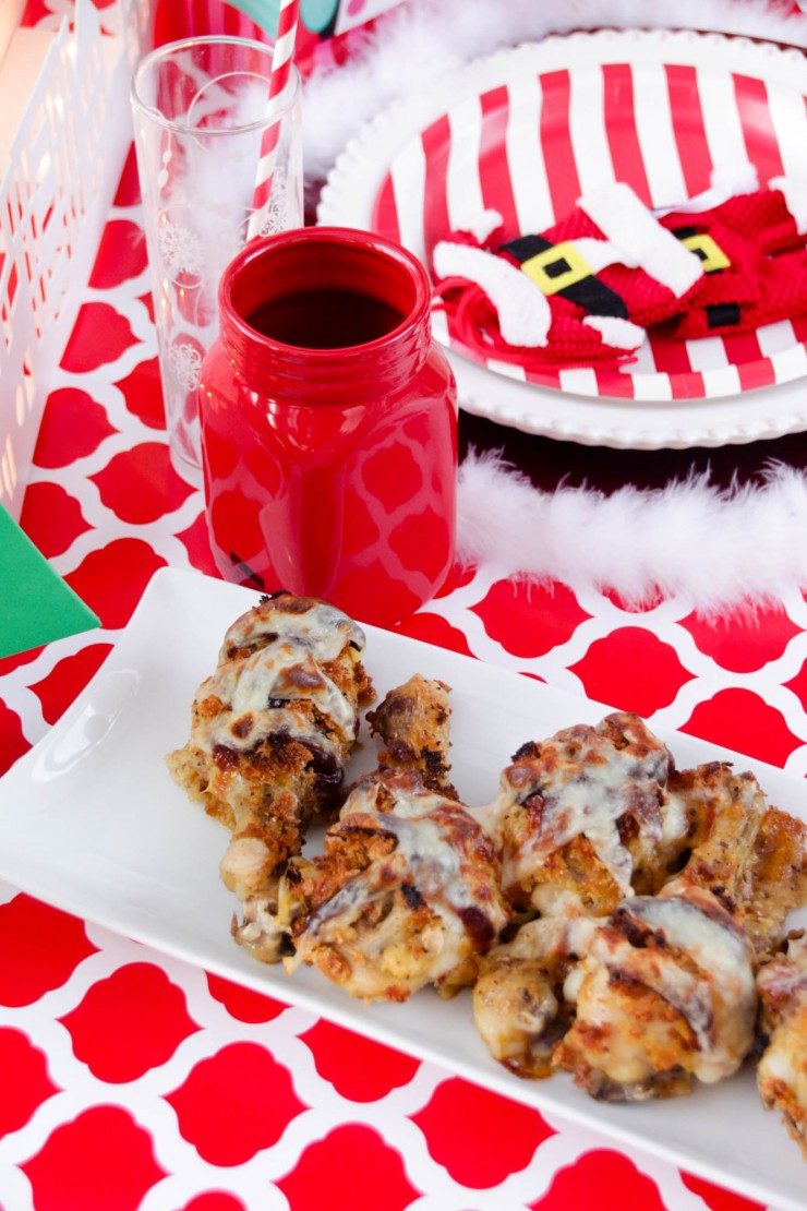Kids want to feel included and this Christmas Table Setting is a great way to make kids feel special, with their very own Christmas Table! Try Serving Crispy Chicken with Provolone!