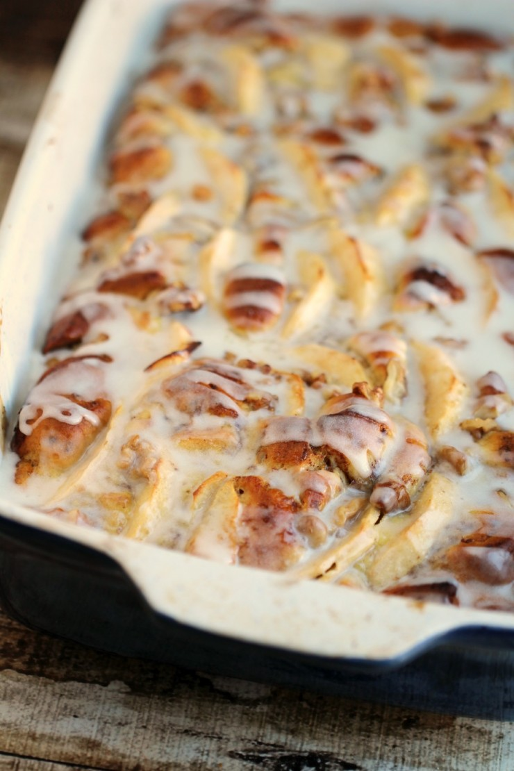 If you are looking for an easy brunch recipe or Christmas morning breakfast casserole, this Apple Cinnamon Roll French Toast Bake Recipe is quick, easy and delicious too!