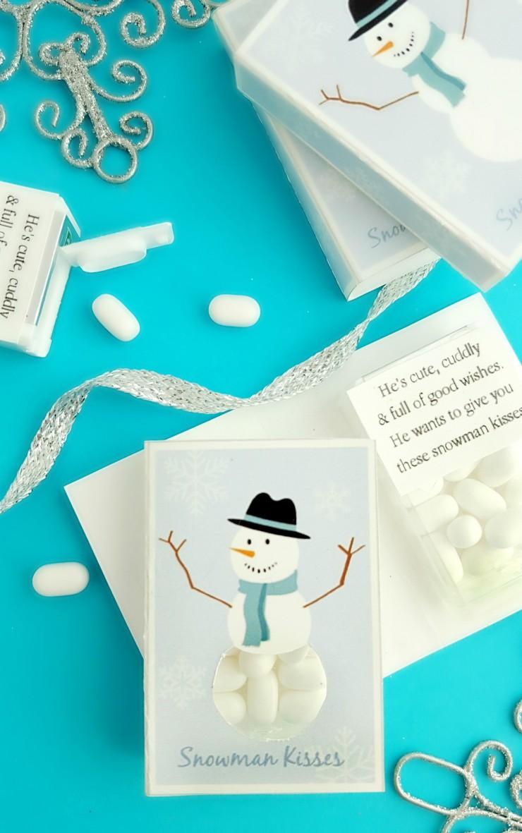 "This ""Snowman Kisses"" Printable makes for adorable DIY Stocking Stuffers."