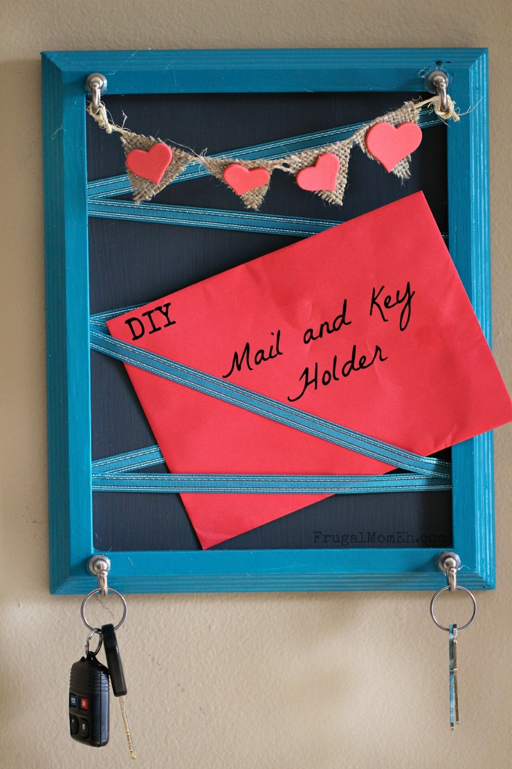 DIY-Mail-and-Key-Holder