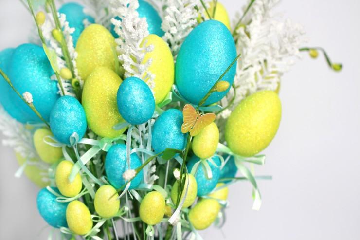 Easy Easter Egg Flower Arrangement