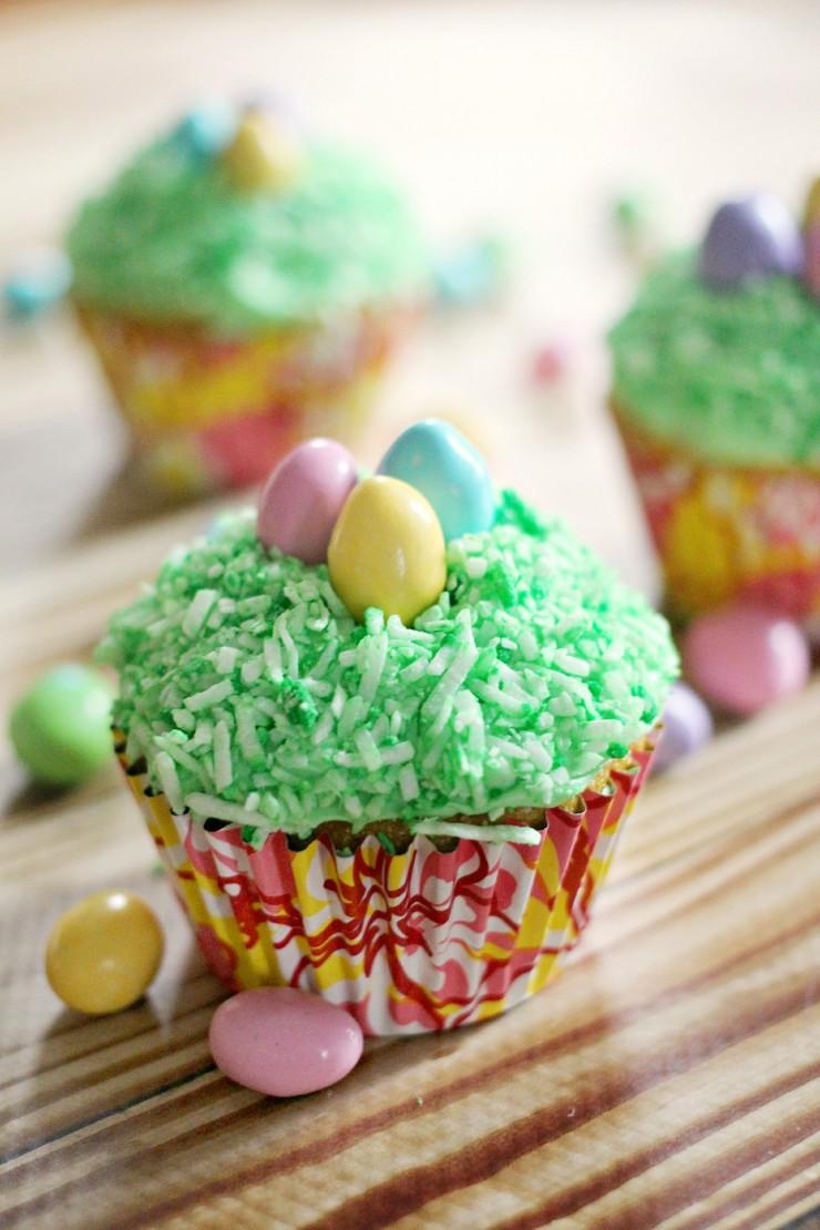 lemon-coconut-cupcakes