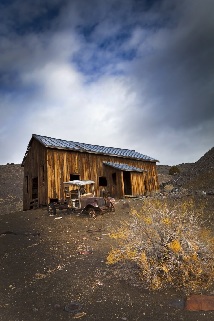 Berlin Ghost Town, Nevada - Nevada is filled with things to do and see from the iconic Hoover Dam to the famous Las Vegas Strip. Here are 7 of the best attractions in Nevada.
