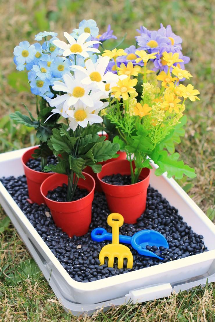 Gardening-Sensory-Bin 2