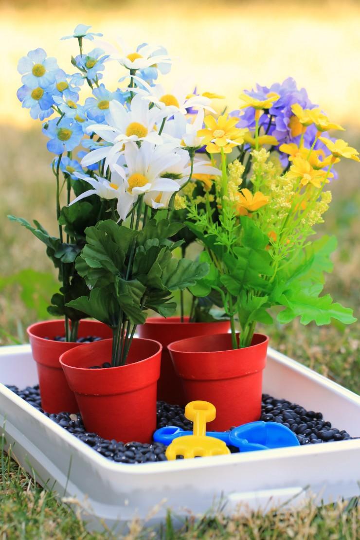 Gardening-Sensory-Bin 3