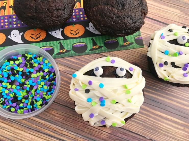 final-prep-mummy-cupcakes