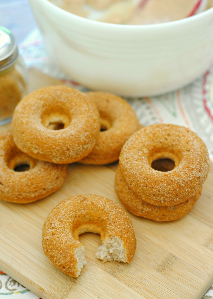If you too love cinnamon donuts you are going to simply love these oven baked cinnamon donuts.  Soft, fluffy and bursting with the warming combination of cinnamon and sugar.