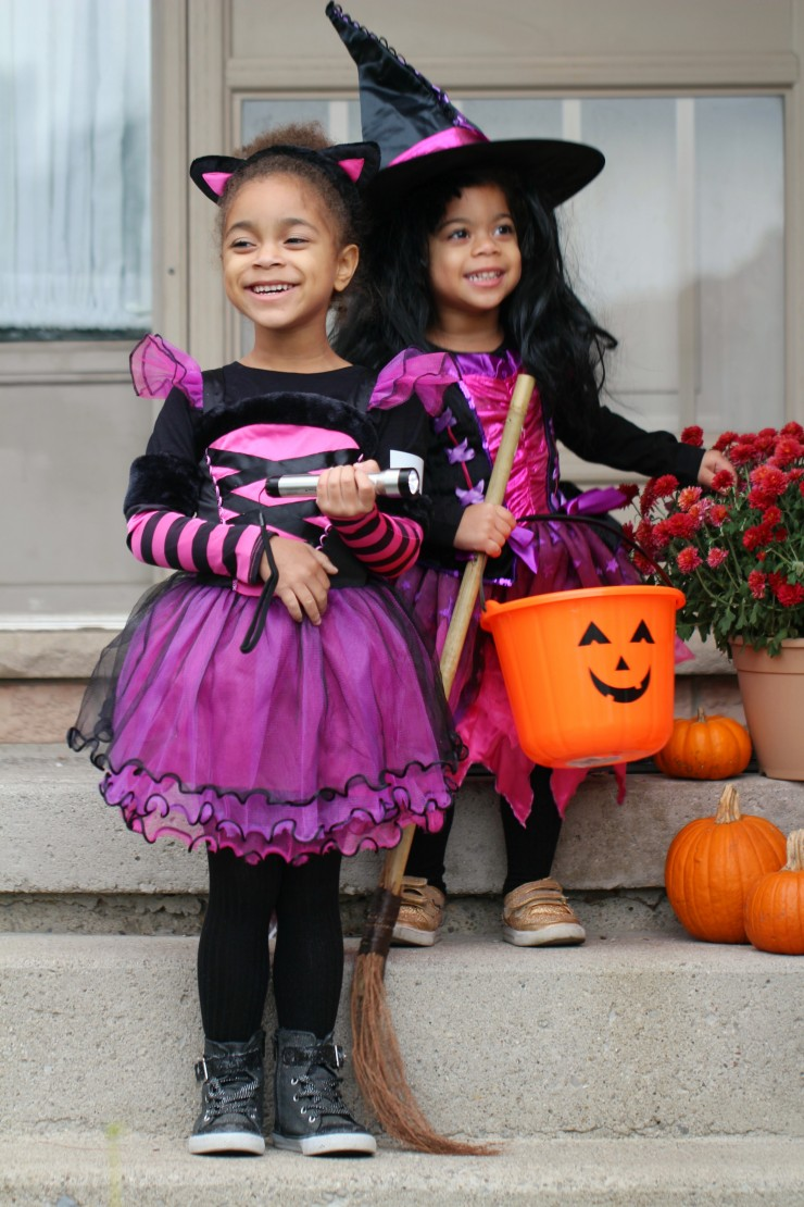 7 Tips for Safe Trick-or-Treating on Halloween. These Halloween safety tips are easy to follow and can help your family have a fun and safe Halloween!