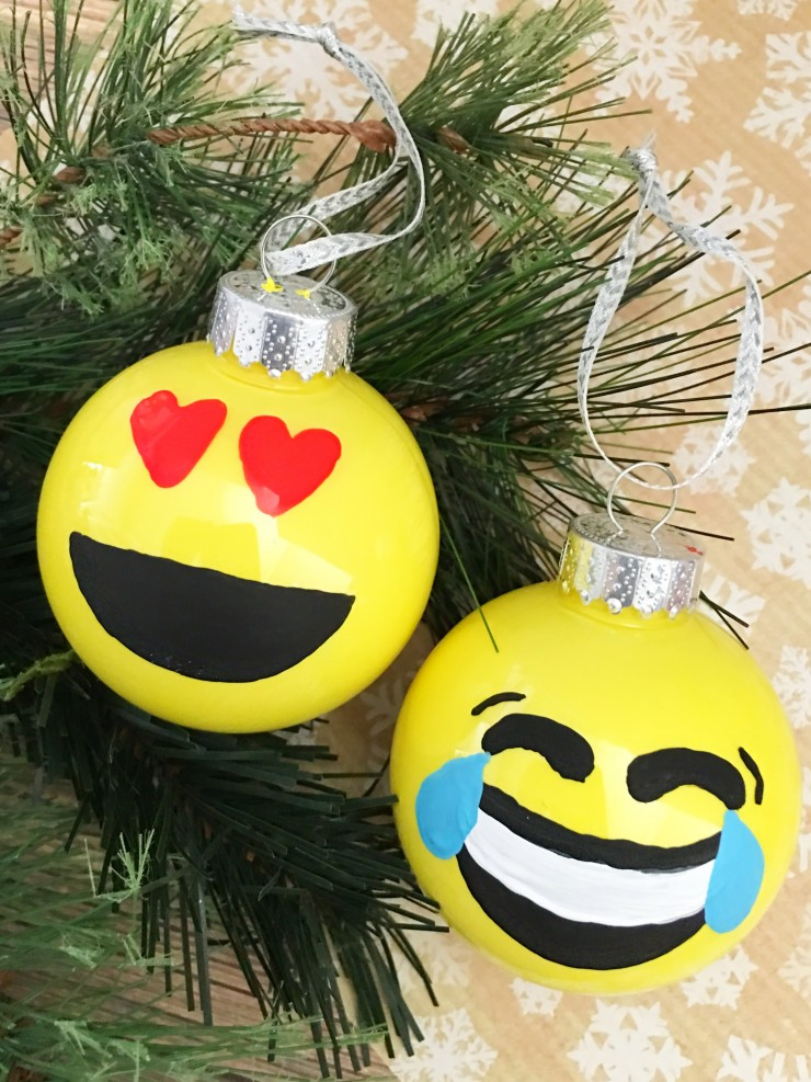 Decorate your Christmas tree this year with your favourite emojis with this easy and adorable diy Christmas Ornament project. This tutorial covers both the Emoji Ornaments and the emoji poop ornament.