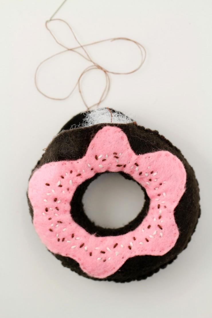 handmade-toy-donuts-4