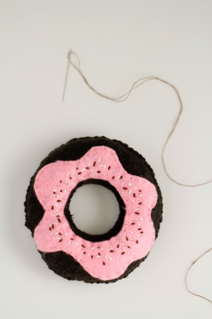 handmade-toy-donuts-5