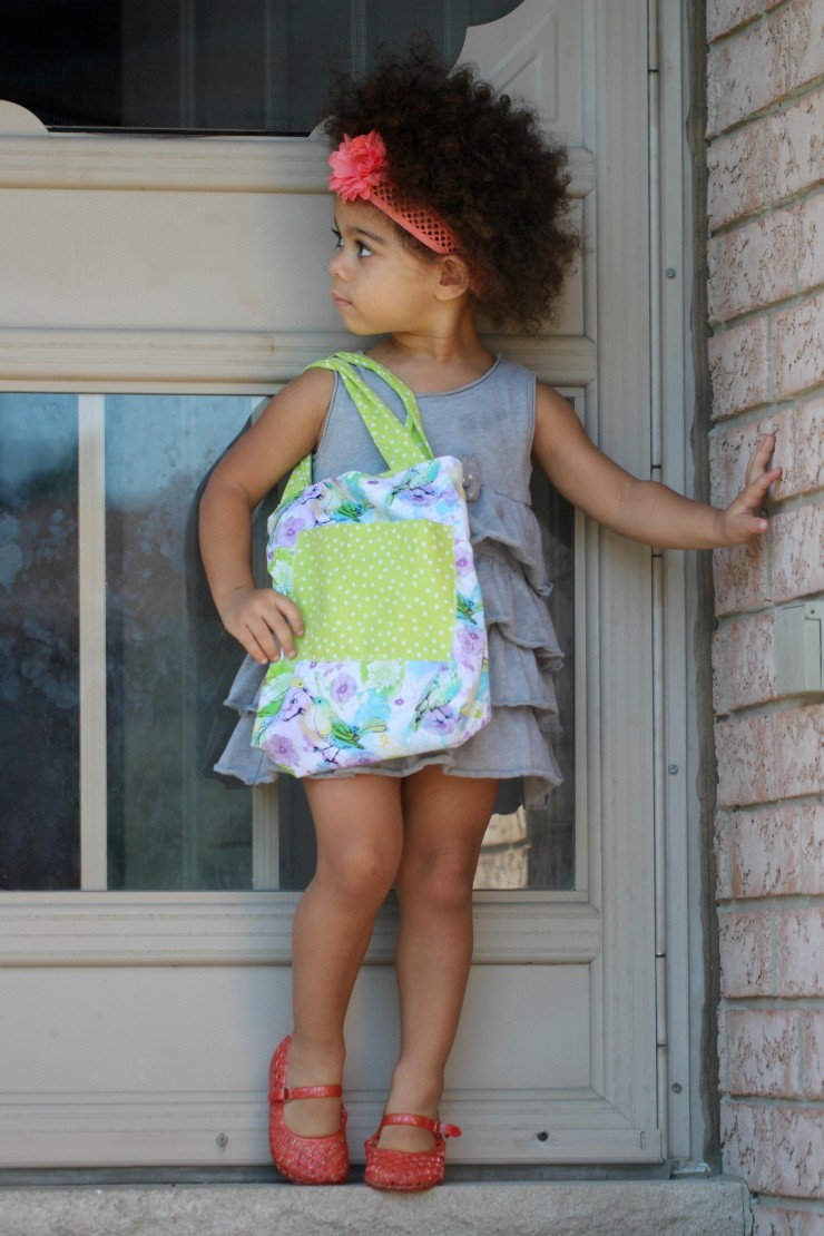 This simple kids tote is easy to make with a tutorial anyone of any sewing level can follow. There is no sewing pattern, just a few quick measurements and techniques to create this super cute bag for kids.