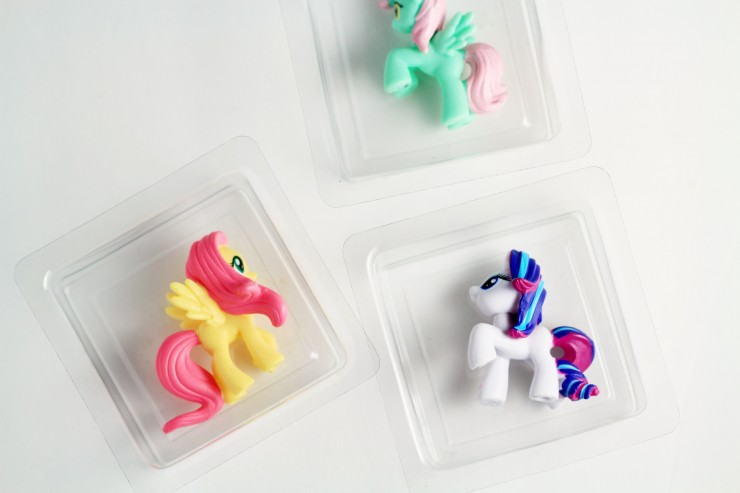 kids-toy-embedded-soap-materials-2