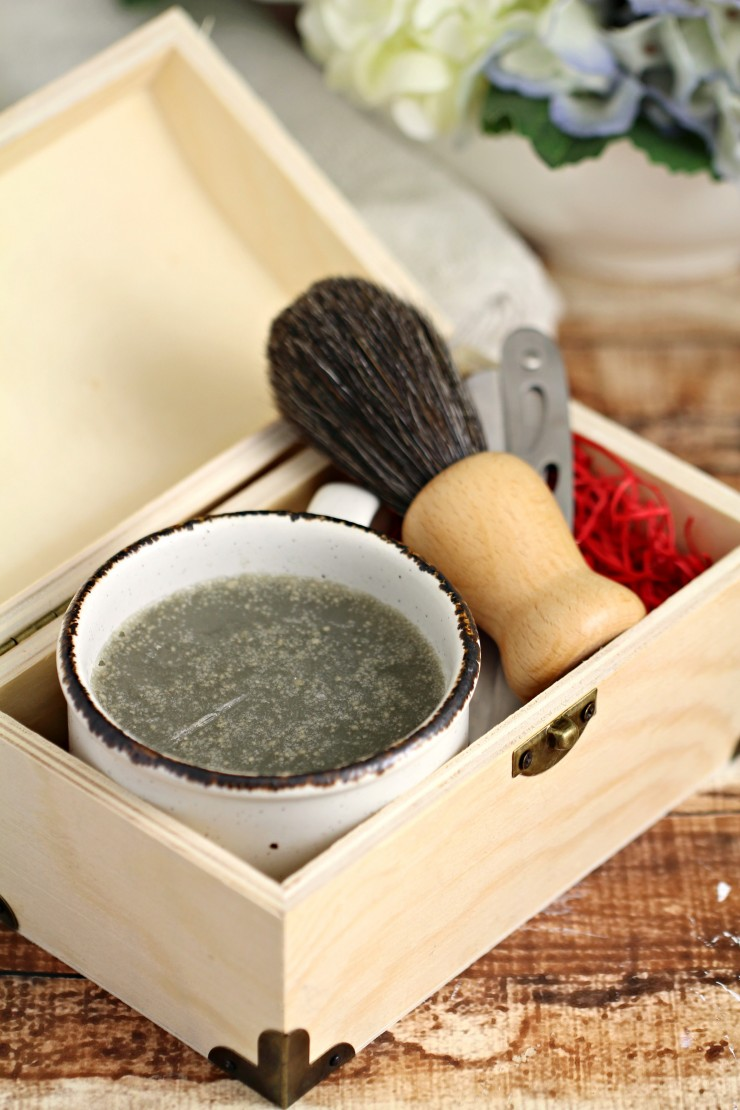 Every morning is a good morning with this Homemade Invigorating Men's Shaving Soap! The bright citrus scent is the perfect way to start the day, and it makes for a great Father's day or Christmas gift for any man in your life.
