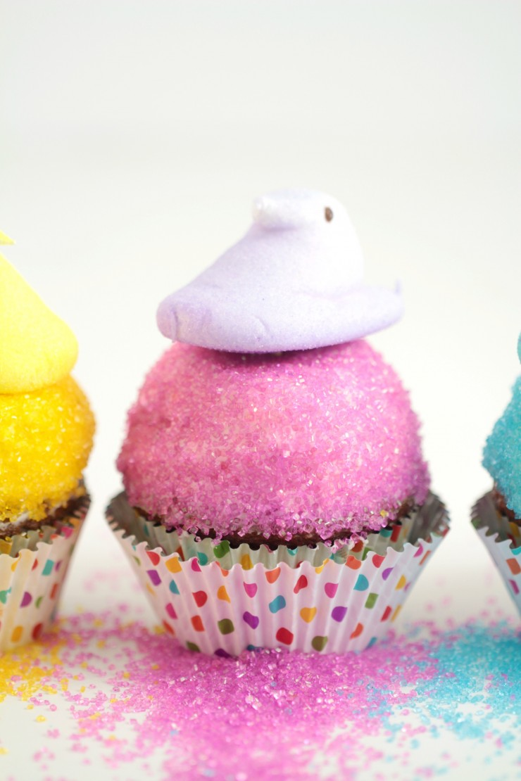 These Easter Peeps Cupcakes are just the sweetest Easter cupcakes and they are so easy to make! My kids love the peeps and colourful sanding sugar on a carrot cupcake.
