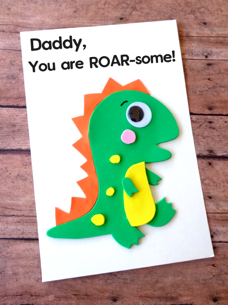 Father's Day is coming up and while it can be difficult to figure out what colour of tie to get for Dad for Father's Day, a hand made card is always going to be a hit. This DIY Father's Day Dinosaur Card is the perfect way to show Dad that he is ROAR-SOME!