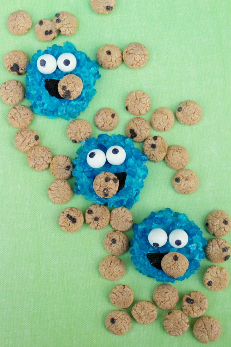 These Cookie Monster Oreos are a fun treat for any little Sesame Street fan. They also make a great addition to any Sesame Street Birthday Party!