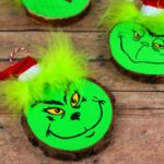 Wood Slice Grinch Ornaments