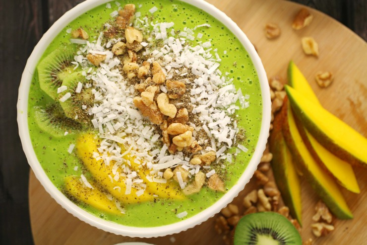This pretty green smoothie bowl is packed with delicious, fresh ingredients that you will find come together nicely for a refreshing breakfast smoothie. The addition of mint pairs well with the fresh fruit for a flavour your mouth won't get bored of.