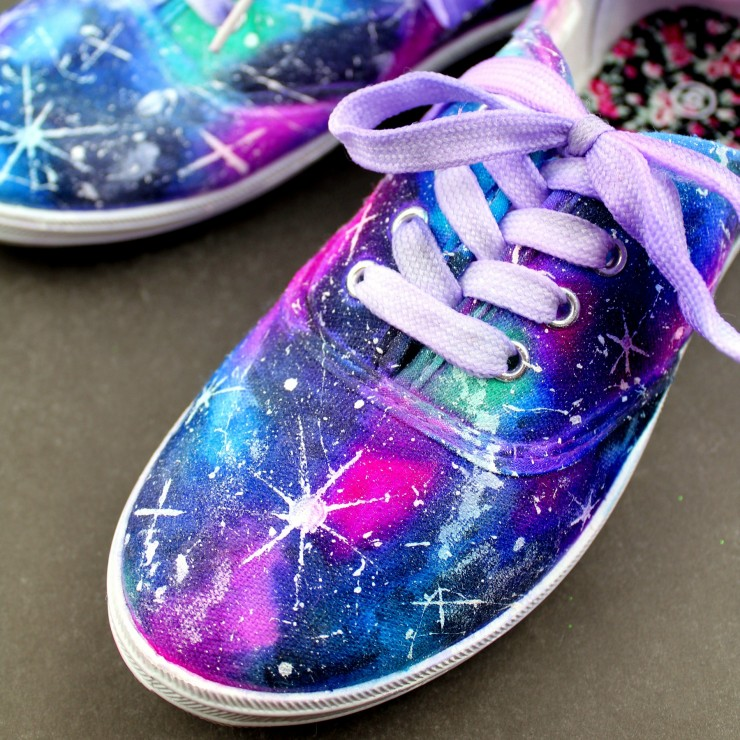 How Do You Paint On Black Canvas Shoes