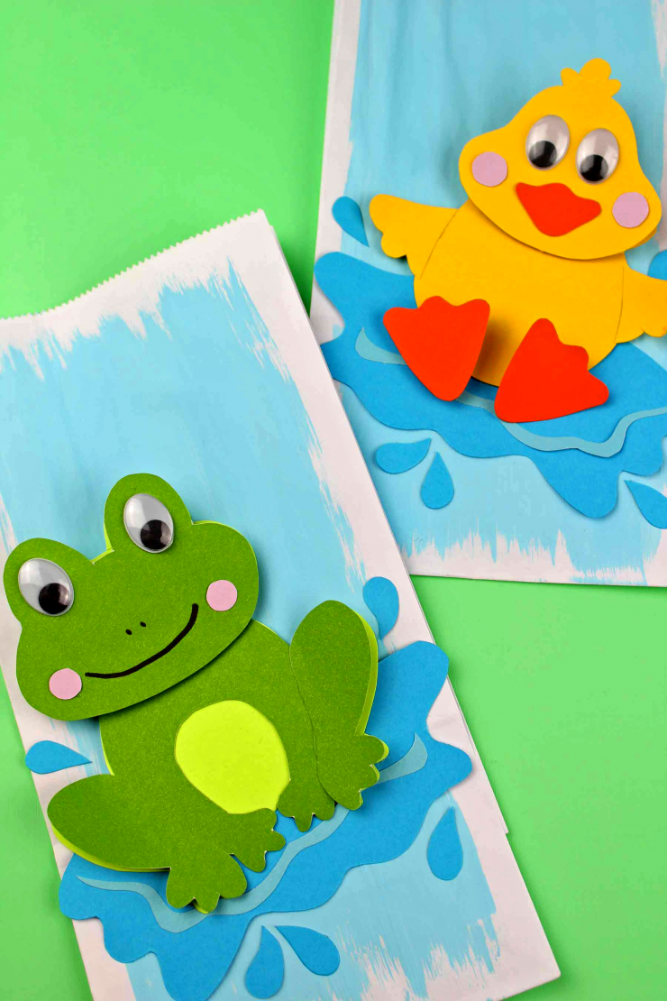 These Puddle Jumper Gift Bags make for adorable handmade gift bags that are perfect for small baby shower gifts or birthday party loot bags! These adorable diy gift bags are easy to make too thanks to the free printable template!