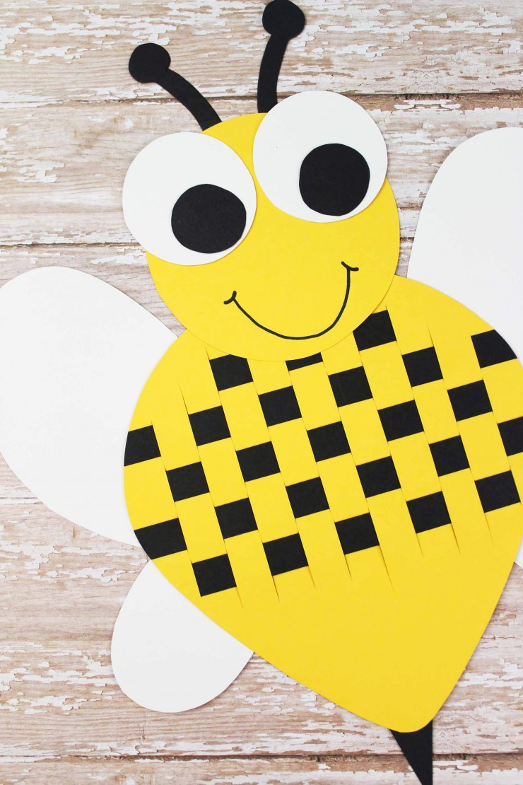 This Paper Weave Bumble Bee is a wonderful classroom project! How cute would these Bees look on a bulletin board?