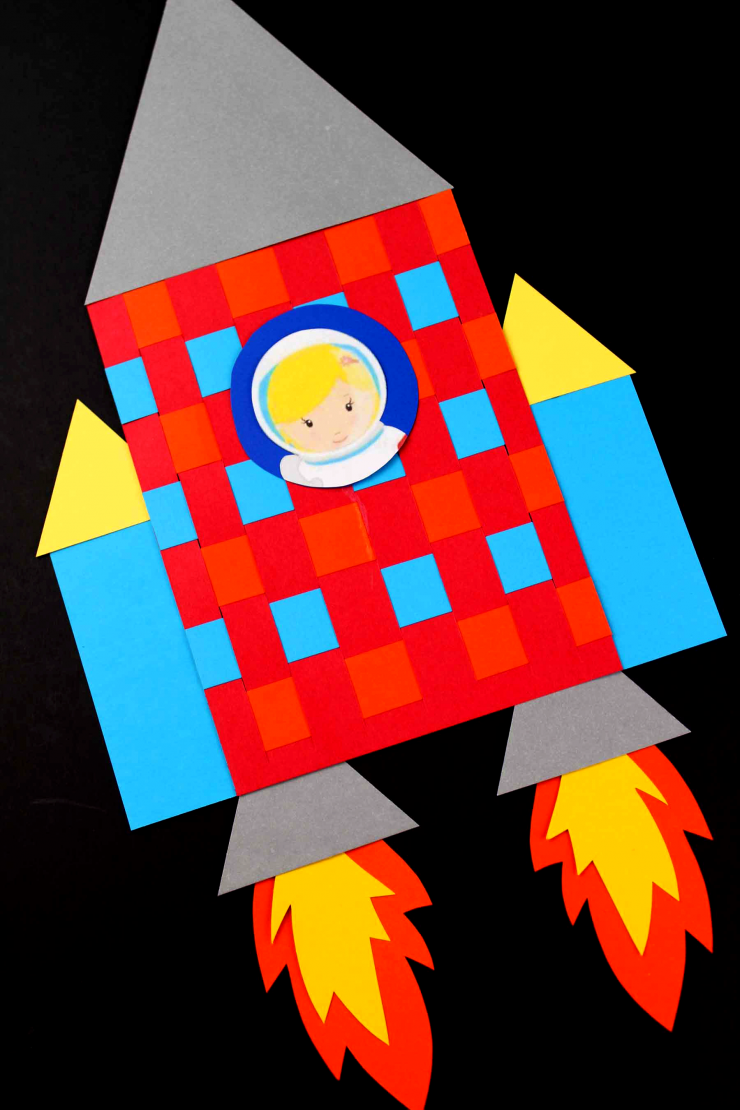 This Basketweave Rocket Ship is a wonderful classroom project. How cute would these look on a bulletin board? A fun craft for little astronauts!