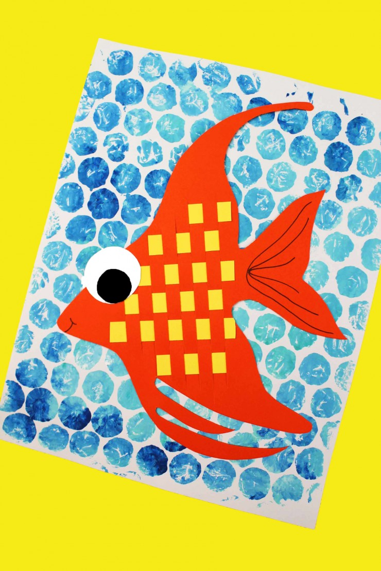This is a wonderful classroom project. How cute would these Basketweave fish  look on a