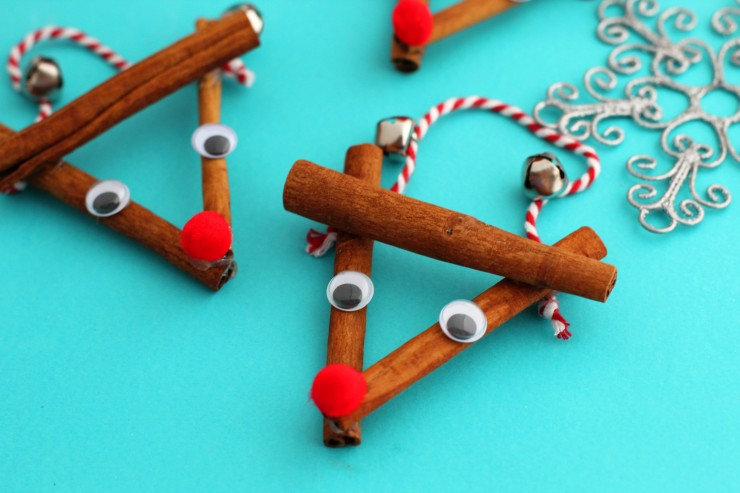 This Rustic Reindeer Ornament craft makes for a great Gift Topper and they are so easy to make!
