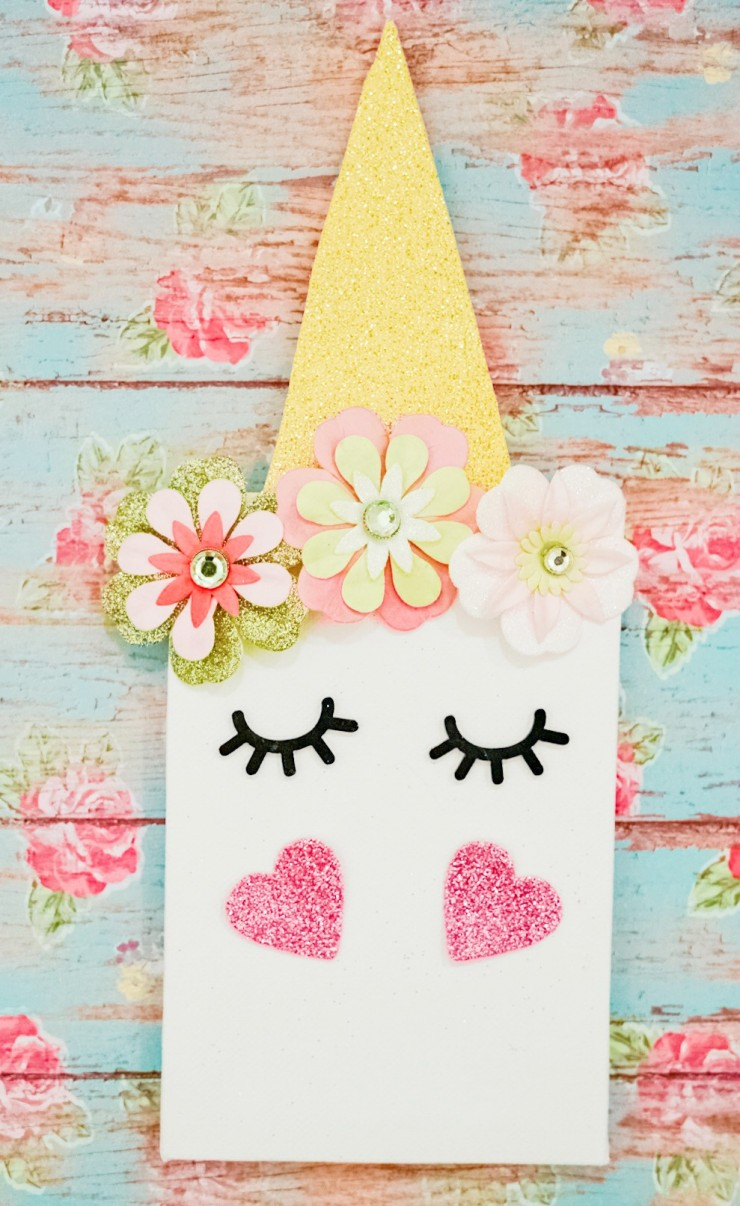This Unicorn Mini Canvas is a fun and simple unicorn craft for kids. Kids will have fun creating and showcasing their perfect mini unicorn art in their room.