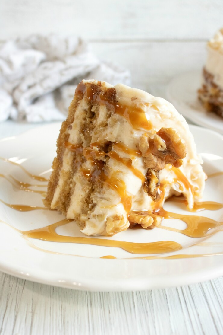 This Apple Torte with Maple Walnut Cream Cheese Filling is a delicious fall cake - sure to delight with its warm flavours!
