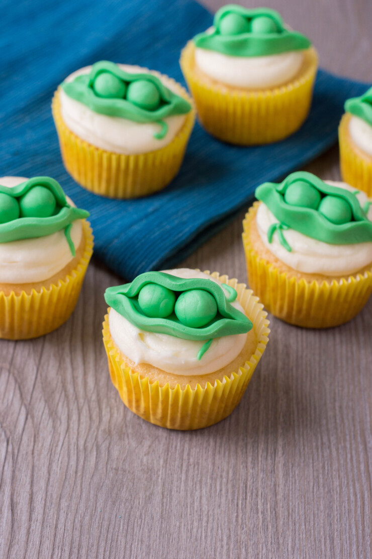 "Looking for cute ideas for a twin baby shower? These ""Two Peas in a Pod"" Cupcakes are perfect for a twin baby shower theme."