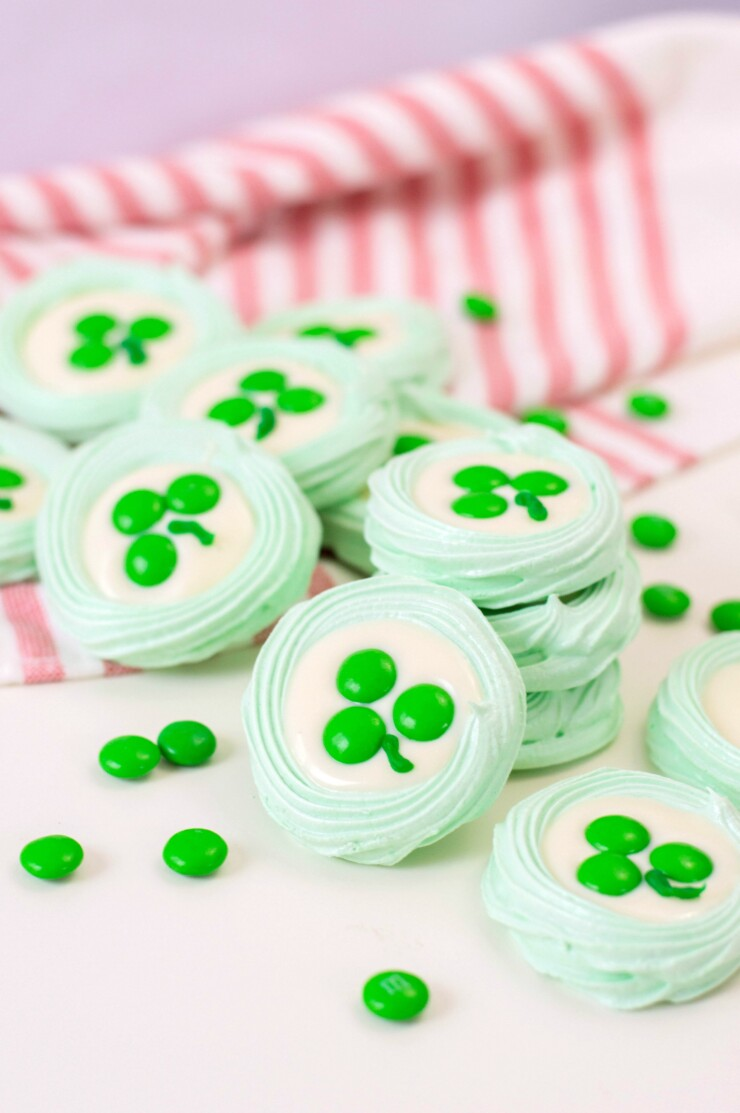 These St. Patrick's day meringue cookies are a gorgeous sweet treat that are sure to bring you good luck!