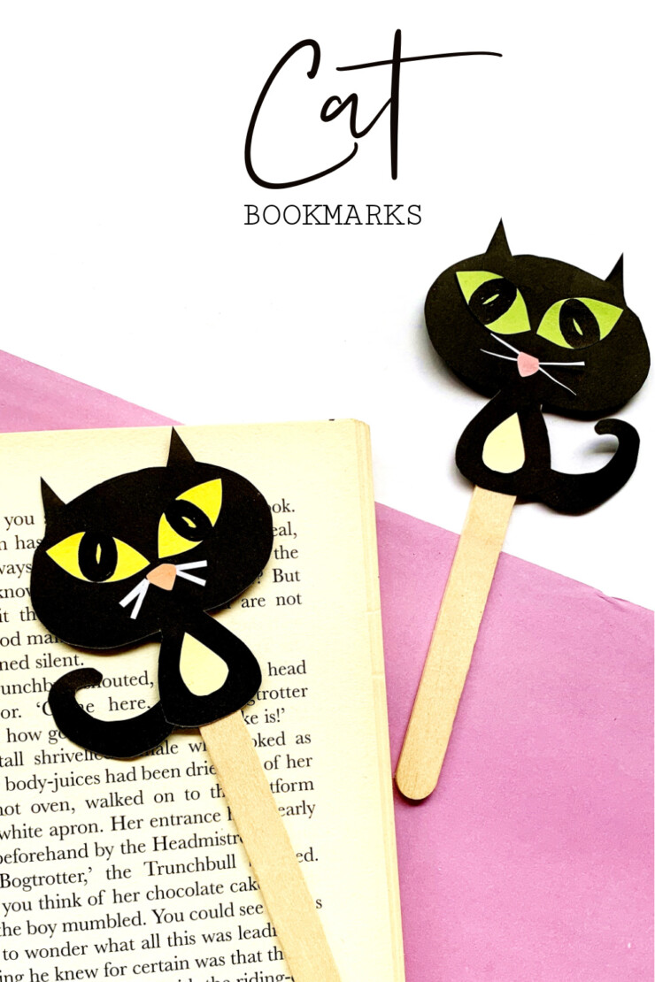 What could be more adorable than these cat bookmarks? Make black cat bookmarks for Halloween, or make kitty bookmarks that match your favourite pet by changing up the colours.